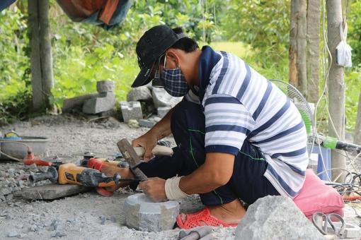 Tìm an yên trong đá
