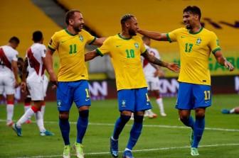 Neymar chói sáng, Brazil thắng trận thứ 8 liên tiếp
