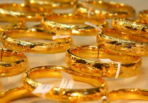 Giá vàng hôm nay 10-9: Không thể vượt ngưỡng, quay đầu giảm giá