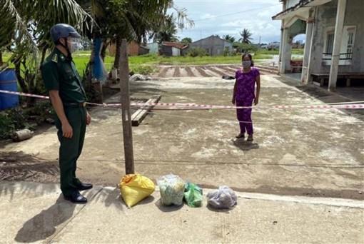 Xuất cấp gạo và hàng dự trữ quốc gia hỗ trợ tỉnh phòng, chống dịch