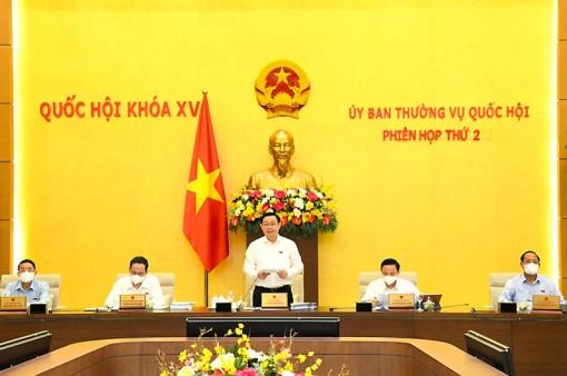 Phiên họp thứ ba của Ủy ban Thường vụ Quốc hội diễn ra vào ngày 13-9