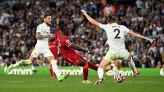Salah và Mane bùng nổ, Liverpool thổi bay Leeds