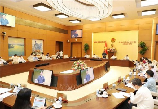 Phiên họp thứ 3 Ủy ban Thường vụ Quốc hội: Hoàn thiện quy định pháp luật về kinh doanh bảo hiểm