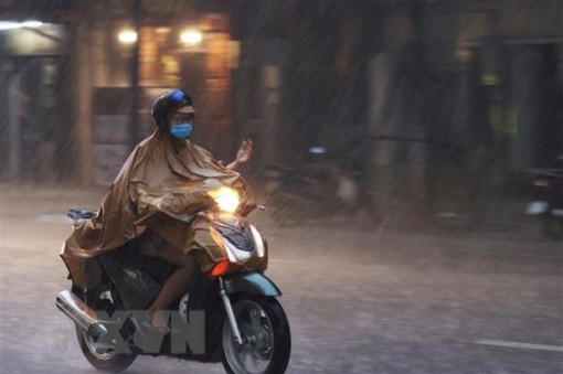 Tối 14-9, nhiều khu vực trên cả nước có mưa dông, có nơi mưa rất to