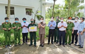 Bí thư Tỉnh ủy An Giang Lê Hồng Quang kiểm tra công tác phòng, chống dịch bệnh COVID-19 ở huyện Tri Tôn