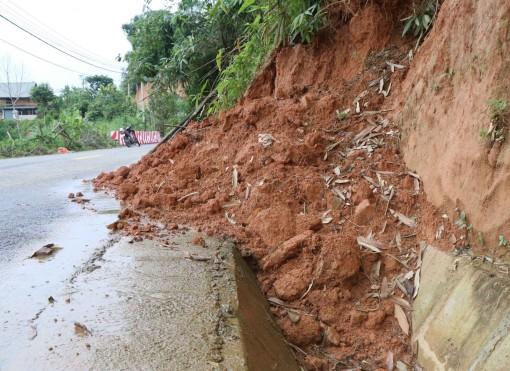 Thời tiết ngày 17-9: Bắc Bộ có mưa dông rải rác, vùng núi có nguy cơ sạt lở đất