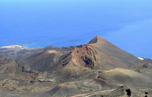 Tây Ban Nha cảnh báo nguy cơ núi lửa phun trào tại đảo Palma