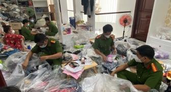 Tạm giữ nhiều sản phẩm hàng hóa không rõ nguồn gốc, nhập lậu ở TP. Long Xuyên và Tịnh Biên