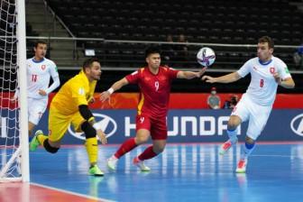 Hòa CH Czech, futsal Việt Nam giành vé vào vòng 16 đội World Cup 2021