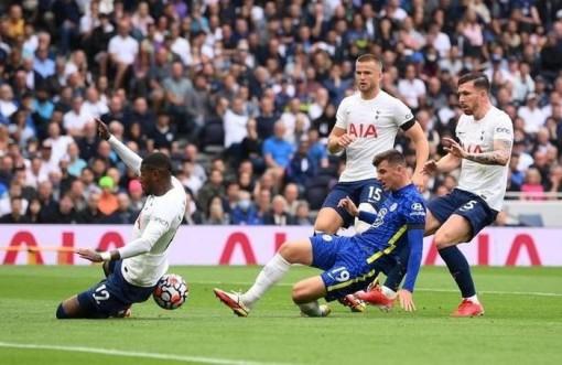 Đè bẹp Tottenham, Chelsea chiếm ngôi đầu bảng Ngoại hạng Anh