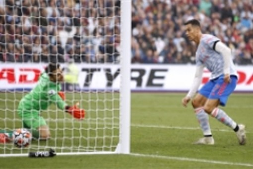De Gea cản phạt đền phút bù giờ, Man Utd thắng kịch tính West Ham