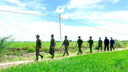 """Đảng viên quân hàm xanh nơi tuyến đầu chống dịch - Kỳ 2: """"Bước chân anh nghiêng trời biên giới"""""""