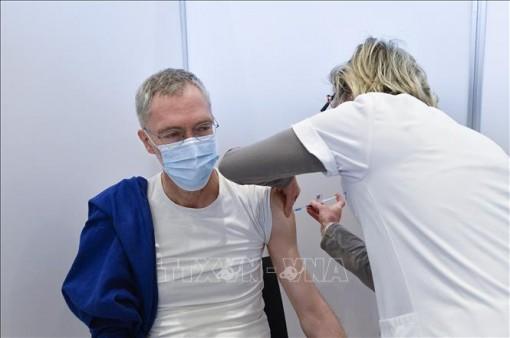 Bỉ phê duyệt tiêm liều vaccine ngừa COVID-1 thứ 3 cho người trên 85 tuổi