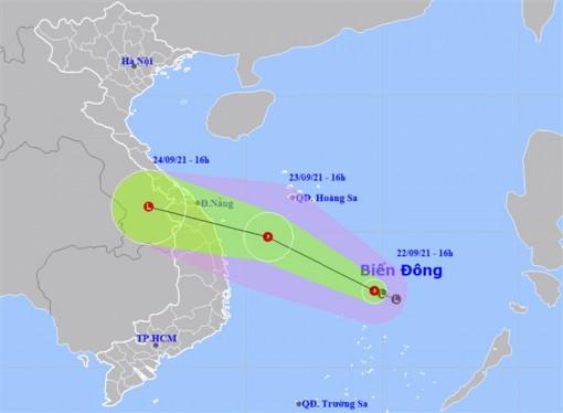 Áp thấp nhiệt đới hình thành trên Biển Đông, hướng vào các tỉnh Trung Bộ