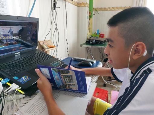 Chủ tịch UBND tỉnh An Giang yêu cầu tổ chức dạy học trực tuyến hiệu quả, hỗ trợ thiết bị học tập trực tuyến cho học sinh khó khăn