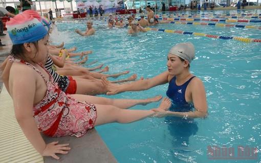 Khuyến khích các địa phương, cơ sở giáo dục dạy bơi an toàn cho học sinh