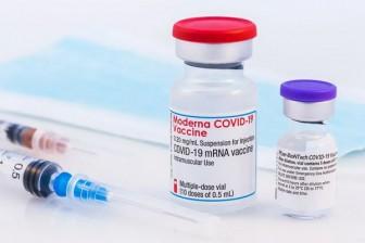So sánh vắc xin Moderna và Pfizer