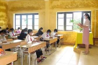 Tuyên dương các thầy cô giáo có nhiều sáng kiến giảng dạy trong bối cảnh dịch COVID-19