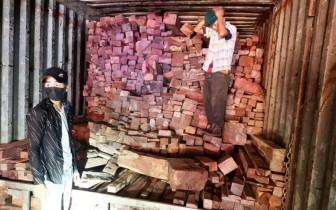 Phát hiện vụ buôn lậu gỗ, đá quý từ Lào về Việt Nam