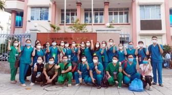 Trên 140 y,  bác sĩ tỉnh An Giang ra quân chi viện thực hiện chiến dịch xét nghiệm SARS-CoV-2 cho toàn dân TX. Tân Châu