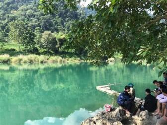 Hà Giang: Lật thuyền chở học sinh trên sông Gâm, 4 em mất tích