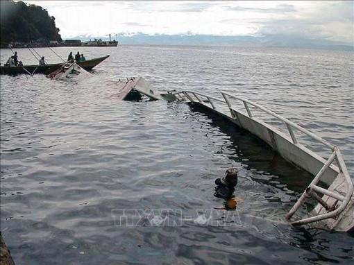 Trên 100 người chết, mất tích trong vụ chìm thuyền ở CHDC Congo
