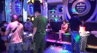 Tây Ninh: Bắt quả tang 14 đối tượng dùng ma túy trong quán karaoke