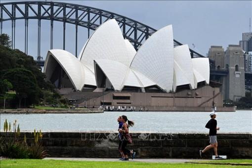 Thành phố Sydney mở cửa trở lại sau gần 4 tháng phong tỏa