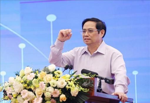 Thủ tướng: Kiên trì các biện pháp phòng, chống dịch; giữ vững kinh tế vĩ mô, đảm bảo các cân đối lớn của nền kinh tế