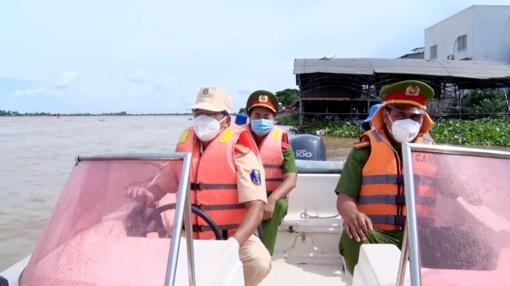 Hết ngày 15-10, huyện Phú Tân ngưng hoạt động chốt chặn kiểm tra phương tiện vận chuyển thủy trên địa bàn