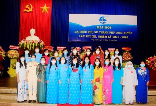 Đồng chí Nguyễn Thị Tuyết Hồng giữ chức Chủ tịch Hội Liên hiệp Phụ nữ TP. Long Xuyên khóa XII