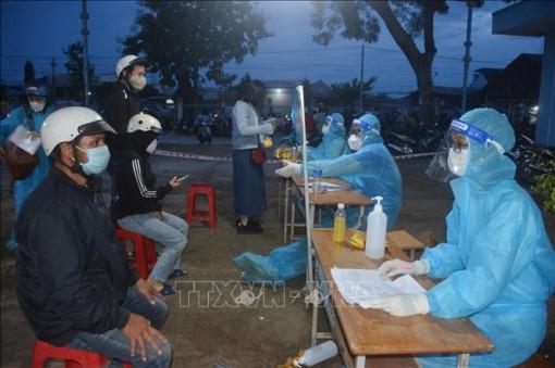 Ngày 15-10, Việt Nam ghi nhận 3.797 ca nhiễm mới SARS-CoV-2, có 3.847 ca nặng đang điều trị