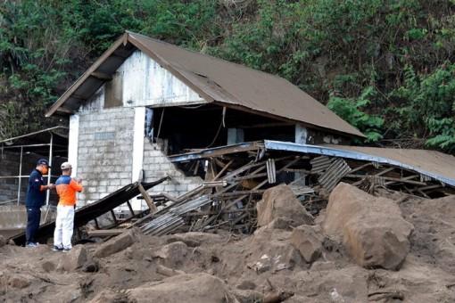 Động đất rung chuyển Bali, 3 người chết, 7 người bị thương