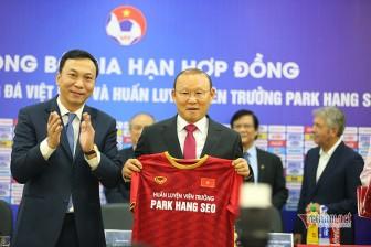 HLV Park Hang Seo đàm phán hợp đồng: Trò chơi cân não