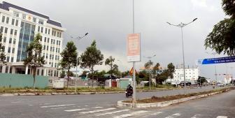 TP. Long Xuyên tháo dỡ dãy phân cách làn xe đường Nguyễn Thái Học