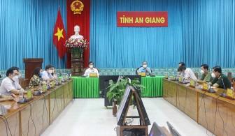 Thủ tướng Chính phủ gặp mặt đại diện lực lượng y tế tuyến đầu tiêu biểu trong công tác phòng, chống dịch COVID-19
