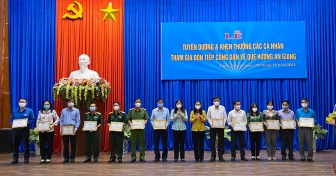 TP. Long Xuyên tuyên dương, khen thưởng các cá nhân tham gia đón tiếp công dân về quê