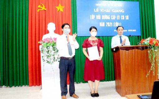 Khai giảng lớp bồi dưỡng cấp ủy cơ sở