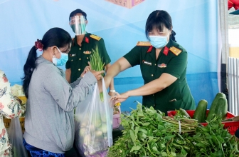 Lan tỏa yêu thương trong phụ nữ quân đội