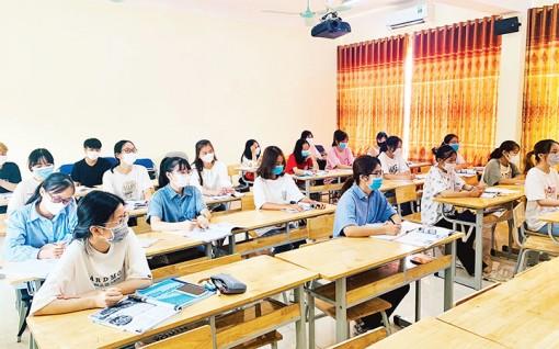 Thích ứng an toàn khi sinh viên trở lại học tập