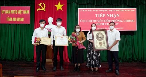 UBMTTQVN tỉnh An Giang tiếp nhận hỗ trợ vật tư y tế từ Quỹ Từ thiện Kim Oanh