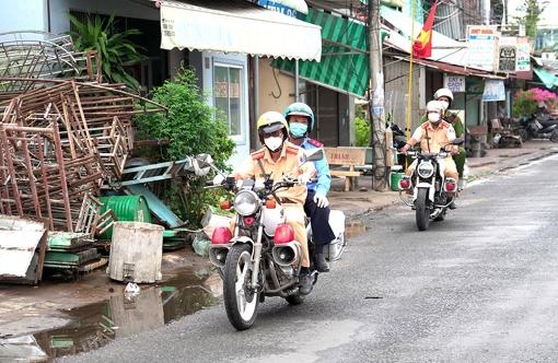 Đảm bảo trật tự an toàn giao thông với phòng, chống dịch COVID-19