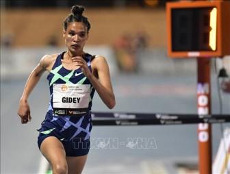 Letesenbet Gidey phá kỷ lục thế giới bán marathon nữ