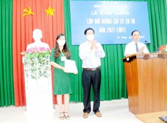 Trường Chính trị Tôn Đức Thắng khai giảng lớp bồi dưỡng cấp ủy cơ sở