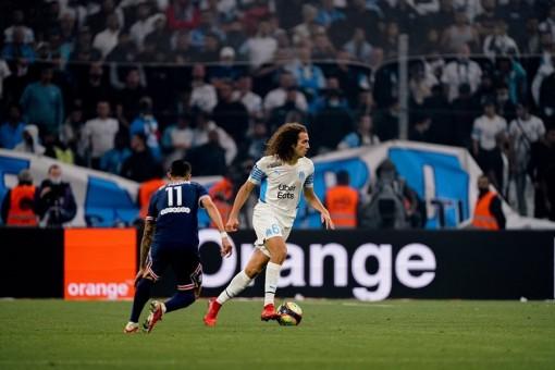 MNM bị phong tỏa, PSG bất lực trước Marseille