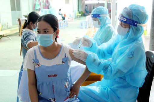 UBND tỉnh An Giang yêu cầu lập kế hoạch tiêm vaccine phòng COVID-19 cho trẻ em từ 12 đến 17 tuổi