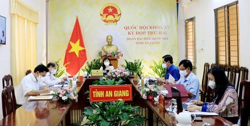 Quốc hội thảo luận dự án Luật Cảnh sát cơ động