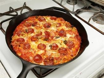 Cách làm bánh pizza bằng chảo cực kỳ dễ