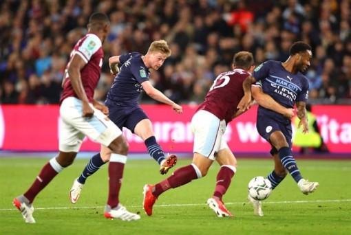 Man City thua ở Cúp Liên đoàn lần đầu sau 4 năm